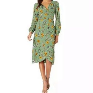Cupcakes and Cashmere Floral Wrap Thyme Dress